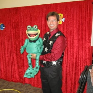 Great Scott,<B> magician</B> and ventriloquist, with his wise-cracking puppet partner Webster, performed for an audience of over 100 people at the library&rsquo;s SLP finale.